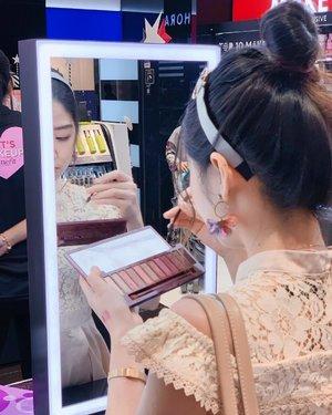 The life I wish to live in. . . . . . . . . . . . . . . . #clozette #beautyaddict #instabeauty #beautygram #beautyjunkie #beautyblogger #beautyflatlay  #malaysiablogger #beautyreview #ig_malaysia #bblogger #skincareroutine #beautytrend #igbeauty #beautyhub #igmy #asianbeauty #asianbabe #asiangirl #beautycare  #beautywithanedge #beautyhaul #sephora