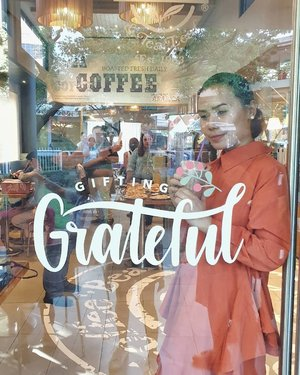 Choosing to be grateful...ooohhh hands up if you like Fridays!😉 . . . . . #clozette @cbtlph #GiftingGrateful ##2020GivingJournal
