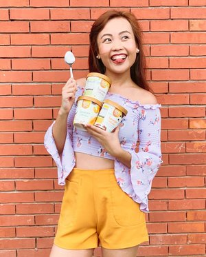 What's better than ice cream?? Limited edition summer flavor ice cream!! 😍 Currently stuffing my face with @selectaphilippines Peach Mango Float, Tsokolate Tablea Fudge, and Buco Avocado Swirl! 😱 If your mouth didn't water from those flavors, I don't know what will! 🍦🍨🍦🍨 #ChillAtHomies • • Also do check out the cool summer jingle video of Selecta on youtube! ✨ Link's in my bio 💃🏻 📷 @nj.bay