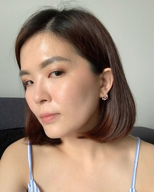 Yesterday's look using @lm_laduree_my Face Color Rose ❤️ By the way, I am in love with the earrings from @aureliaatelier 😍 . #aureliaatelier #selfie #lookoftheday #lotd #earrings #lmladureemy #janiceyxbeauty