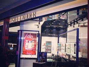 Congratulations Estée Lauder Malaysia on their first in the world concept store in Sunway Pyramid! ❤️ #throwback #esteelaudermy #esteelaudermalaysia #beautyplayground #ClozetteAmbassador #Clozette #throwback #beautyblogger