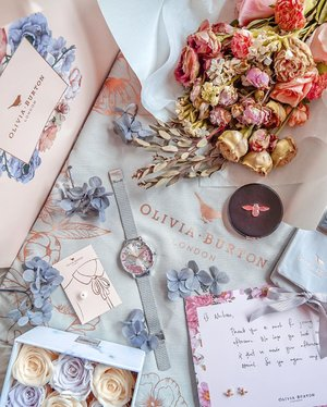 Derived so much pleasure from curating this flatlay, c/o accessories from @oliviaburtonlondon 😍💕✨ Won this gorgeous OB British Blooms Silver Women's Watch from the mini floral arrangement contest with @keirafloral! 🏆 This quintessentially British timepiece combines peonies (my fav flowers 💐), violets and teeny tiny bees 🐝 in a vintage-inspired floral print. Isn't she a beauty? 🥰♥️ #OliviaBurton #OliviaBurtonWatches #MyOliviaBurton #OliviaBurtonSG @cocomicom @lumine.sg