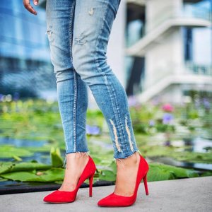 The perfect combo for Friday Night 👠👖 . . . #ArezzoSg #Arezzo #wompr
