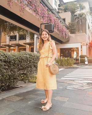 Summer in November. 🌻 Thank you to @clozetteco for throwing the best parties! I'm so happy to reunite with blogger friends and meet new ones! ✨  #clozette #clozetteparty2018 #TheMermaidLookbook