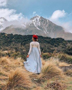 wander woman. 🍂 ::: #clozette #ootd #lookbooksg #igsg #sgblogger #stylediaries #potd #stylexstyle #picoftheday #ootdfash #photooftheday #photodaily #travelblogger #blogger #travel #adventure #getaway #vacation #newzealand #selfdrive #roadtrip #glacier #holiday #sightseeing #mountain #scenic #scenery #southisland