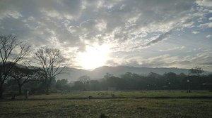 Morning!!! #sunrise  #morningwalk  #clozette