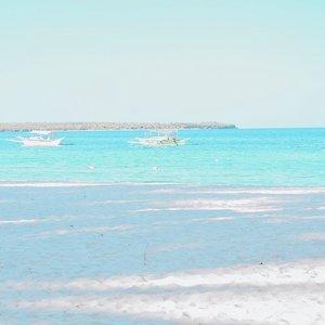 Morning like this...🌊🌴 . . . . . . . #clozette #bloggerbandfam #beachbabes #thatsdarling #feelingtropical #swimsuitseason #springsummer2019 #beachbodyready #paradisebeach #herbalife #beachoutfit #sugboph #itsmorefuninphilippines #thatsdarlingmovement #thatsdarlingweekend #bantayanisland #bantayanislandcebu #beachparadise #cebuisland #travelgirls #wheretofindme #travelbabes #nikonasia #bloggersofinstagram #bloggerstyles