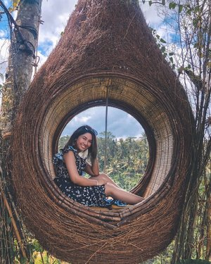 Eventhough it's a brand new start of the week, a huge part of me is still missing this place. Will definitely need to make another visit back soon ❤️✨ . #bali #holiday #weekend #weekendtripping #travel #travelphotography #travelgram #traveling #baliindonesia #baliholiday #clozette