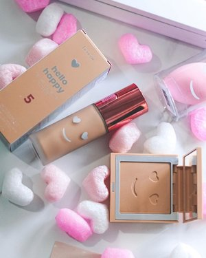 Hello Happy! 💖✨ . Say hello to the brand new additions to @benefitmalaysia which are the Hello Happy Flawless Brightening Liquid Foundation and Hello Happy Velvet Powder Foundation (both at 12 shades retailing at RM158 each) ✨ . Full details will be coming soon but in the meantime, swipe right or check out our IG stories for a closer look 💖 . #makeup #newrelease #hellohappy #benefitcosmetics #foundation #powderfoundation #liquidfoundation #benefitcosmeticsmalaysia #benefitmalaysia  #beauty #makeup #underratedmuas  #undiscovered_muas #makeupartistsworldwide #instabeeyou #instabeauty #wakeupandmakeup #makeupobsessed #makeupartist #makeuplooks #makeuplife #fiercesociety #favfulfeatures #makeup2019 #clozette #flatlay