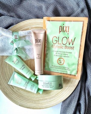 Glowing with @pixibeauty this weekend! 💆🏻♀️ #PixiGlow... ❤️Especially love the DetoxifEye Depuffing Eye Patches for the instant hydration & calming effects.. 🎉Also it's @sephorasg 20%! Perfect for backups of the DetoxifEye & Glycolic Boost masks!