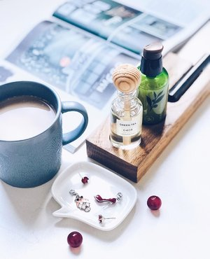 ~~Sunday mood be like this, all relaxed after a morning walk, infused with green tea goodness 🍃😘🌱 How's your Sunday looking like, lovelies? Have a luminously gorgeous one, no matter where you are~~