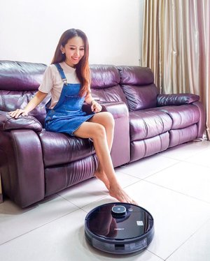 I am someone who doesn't enjoy doing household chores so I decided to get some help.  Introducing…Deebot, @ecovacs_sg DEEBOT OZMO 920 robot vacuum cleaner!  OZMO Mopping Technology allows the OZMO 920 to vacuum and mop simultaneously to ensure that your hard floors get a thorough clean.  Carpet detection automatically boosts suction power when vacuuming carpets and avoids carpets when mopping.  If you are also thinking of getting some help from a robot vacuum cleaner, make use of the 11.11 sales and enjoy up to 50% off!  DEEBOT OZMO 920 is available on @qoo10sg at $579 (U.P. $999) and DEEBOT OZMO950 is available on @lazada_sg (Flash Sale on 11nov, 12am - 2am Grab it at only $659 (U.P. $ 1,199). . . . . . . . . . . . . . . . #ECOVACS #ecovacssg #robotvacuumcleaner #sgmum #sgfamily #mselaineheng #clozette