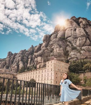 Serious wanderlusting mode again... where is your most dreamed about dream destination? . #monserrat #bcngram #travelwithfaithy