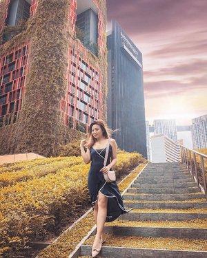 🌅 Sunset is still my favorite color, and rainbow is second. . . #lookbooksg #aboutalook #asseenonme #ootdmagazine #wearthisnext #ootdsubmit #styledbyFaithy #clozette #stylefriques #ootdasia #ootdinspiration #styledaily  #thefifthlabel #valentinorockstud