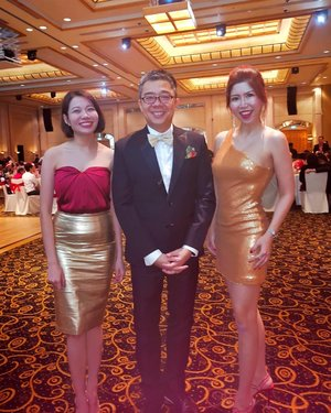 Had a blast last night at the Catholic Business Network (CBN) Christmas Party hosted beautifully by Bernard Lim, song performance by Cheryl, silent auction successfully by Craig Teo.  The hill songs we sang together warmed up the evening and its my favourite part too besides dancing with a cute princess at the end of the night on the dance floor with familiar retro hits.  Christmas parties are always so joyful especially it comes with a charity element. Thank you John for so kindly invited me!  Plus I'm so loving the burgundy hair colour and styling by Shunji Matsuo John Lian  plus my favourite red shoes that's sooooo pretty and comfortable customised by Riccino Shoes Gino Jagindar!  #SWASEventsDigitalMarketingChairperson #AsiaOneMostPromisingPersonality2018 #MrsChinatownInternationalAllNation2018 #MrsBeautifulSkin2018 #MrsChinatownSingapore2018 #celestiafaithchong  #beautydeconcierge #beautyconcierge #aesthetic #cosmeticsurgery #plasticsurgery #imageconsultant #marketer #clozette #starclozetter #influencer #sgbloggers