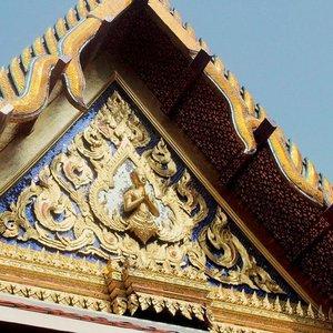So many different gods, but all the same.  travel #travelbug #traveller #travelblogger #asia #thailand #bangkok #travelicous #religion #culture #trulyasia #travelgram #instatravel #juliaantoinette #travelicious #travelbabe #traveladdict #clozette #travelinspiration #travelinspo