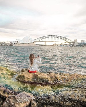 Good Morning from Sydney! This view is just magical. 😍 Paparazzi shot from @rachelle.abella 😜 #clozette