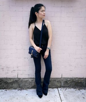 When you wish you were taller, back at it! 😄😉😊 NEW blog coming real soon 🌹🌹🌹 Thanks sa akong ever supportive nga husband/photographer 📷  #fblogger #sydneylife #sydneyblogger #soon #ootn #ootd #styleinspo #flarepants #jeans #asianfashion #asianstyle #pinayblogger #clozette