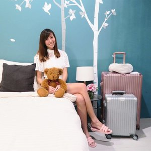 GIVEAWAY! 🛏If you've seen my previous post on the lifestyle expert #IUIGA, you wouldn't want to miss this chance of getting quality items without marked-up prices! 🎁Traveling soon? Get your hands on the lightweight yet sturdy #Samsonite luggage, and complete the set with a neck pillow with a hoodie! ✈️ Shopping for household essentials? Grab these cotton bedsheets and slip into comfy #Muji slippers like I did. 🏠I'm giving away $50 IUIGA credits each to 3 winners! To stand a chance to win,- Follow me and @IUIGA- Comment below what you would like to get from them- Tag 3 friendsContest ends 2nd September. Good luck! 💕#sgcontest #clozette #sggiveaway #householditems #householdgoods #householditems #lifestyleexpert #householdstuff #households