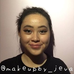 🦍Follow (me) @makeupby_jeva for more makeup💄 videos and photos •  Graduation look 👩🎓 ~~~~~~~~~~~~~~~~~~~~~ Eyebrow @absolutenewyork_id  Contour @maybelline  Eyeshadow @absolutenewyork_id  @nyxcosmetics_indonesia Concealer @lagirlindonesia  Eyelashes @blinkcharm  Eyeliner @wardahbeauty ~~~~~~~~~~~~~~~~~~~~~ for more details on the product that I use on this look, comment down below  #hudabeauty #nyx #maybellinefitmefoundation #lagirlcosmetics #makeup #lagirlproconcealer #jevamakeup #sephoraid #mnyitlook #absolutenewyorkid #nyxcosmeticsid #rudecosmetics #prsearch #clozette #makeuptutorial #makeup @tampilcantik
