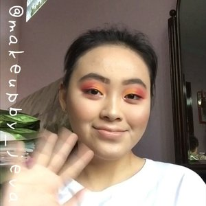 🦍Follow (me) @makeupby_jeva for more makeup💄 videos and photos • Sunset 🌅 corner ~~~~~~~~~~~~~~~~~~~~~Primer @innisfreeindonesia Foundation @wetnwildindonesia Mascara @benefitindonesia Blush @canmake_official Eyebrow @absolutenewyork_id Contour @beautycreations.cosmetics Highlighters @beautycreations.cosmetics @minisoindo Eyeshadow @nyxcosmetics_indonesia Concealer @maybelline Pressed powder @colourpopcosmetics ~~~~~~~~~~~~~~~~~~~~~for more details on the product that I use on this look, comment down below #hudabeauty #nyx #maybellinefitmefoundation #lagirlcosmetics #makeup #lagirlproconcealer #jevamakeup #sephoraid #mnyitlook #absolutenewyorkid #nyxcosmeticsid #rudecosmetics #prsearch #clozette #makeuptutorial #makeup @tampilcantik #lagirlindonesia