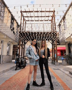 👯♀️ A quaint OOTD💃spot we discovered while looking for local sweets🍬in the area . . . . . . . . . . . . . . . . . . . . . . . . . . . . . . . . . . . . . .#visittaichung #taichungtravels #taichungtrip #taichungcity #discovertaichung #taichungtaiwan #discovertaichung美しさ #taiwanvisit #taiwantravel #visittaiwan #discovertaiwan #clozette #clozetteco #ootdmalaysia #ootdmalaysian #ootdmagazinemy