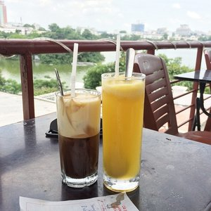 A final peek at #Hanoi before we leave for no wifi zone for the next 3 days! This is the top terrace of Cafe Pho Co, overlooking the lake. Their iced egg coffee is not bad! 💋 #lacedivorytravels #travelbug #traveltales #traveldestination #traveldiary #clozette #lifestyle #caffeine #coffee #Vietnam #Asia #cafehopping #caffeineaddict