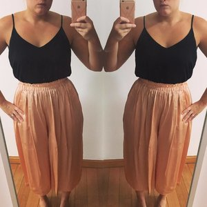 These trousers 😍 #blush #silk #doubletrouble #tapfordetails #fashion #instagood #ootn #imwearingri #clozette