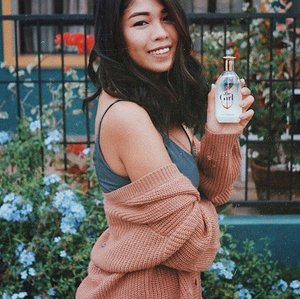 """For me, """"The Girl"""" means being tough, free-spirited, positive and independent. And this is the perfect scent to go along with your adventures. I'm giving away one of this on the blog! Link in bio 💖 Thank you #TommyHilfigerPH  and #Clozette! #TheGirl #TommyxGigi"""