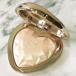 @toofaced Blinded by Love highlighter. Love a t first sight 😍😍 #clozette #toofacedcosmetics #toofacedsg