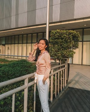 Missing those days where I always love to shoot during golden hour ✨  #BLOGGERxPH #theclassicsph #clozette #VinaPresets