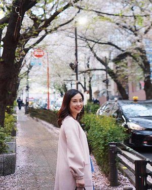 Been to Tokyo many times for work but this is my first time as tourist for just a few hours, catching the last of Cherry Blossoms 🌸 . . . #clozette #worktrip #tourist #tokyo #shibuya #shibuyastation #sakura #cherryblossom #pink #blush #flowers #floral #workhardplayhard #smile #cheers #wanderlust #travelphotography #traveljapan #cooljapan #cold #bloom #streetstyle #streetphotography