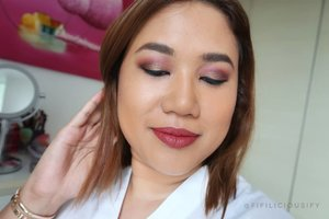 New year, new Instagram profile picture 💋 Can't go wrong with rosy, golden hues - any time if the year! . . .  #eyelook #makeuplook #lotd #faceoftheday #instamakeup #motd #sgvlogger #beautyvlogger #beautylover #sephora #sephorasg #facebeat #myfacebeat #makeupoftheday #clozette