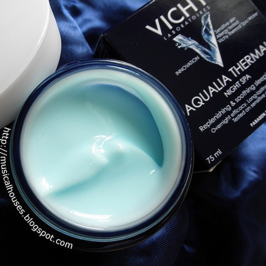 The #review of the #Vichy #AqueliaThermal #NightSpaSleepingMask is now up on my blog! According to #vichysg this is Asia's #mostlovedmask, so I break down the ingredients of this #SleepingMask, and although it is simply formulated, it works. This is also a good choice for those with sensitive skins, because it is quite simply formulated (although there is fragrance in the product). All in all, another solidly formulated or product from Vichy that does what it says it does. #Clozette #beauty #skincare