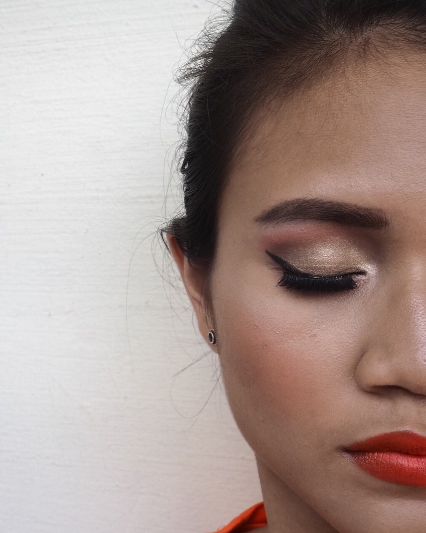 For my first post at Clozette.co, I will like to share the makeup look I did last week. Full list of products I used are listed on the blog😊  Here is the link to my blog || http://ow.ly/ES9x300sg19