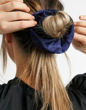 Pieces satin XXL scrunchie in dark blue-Navy